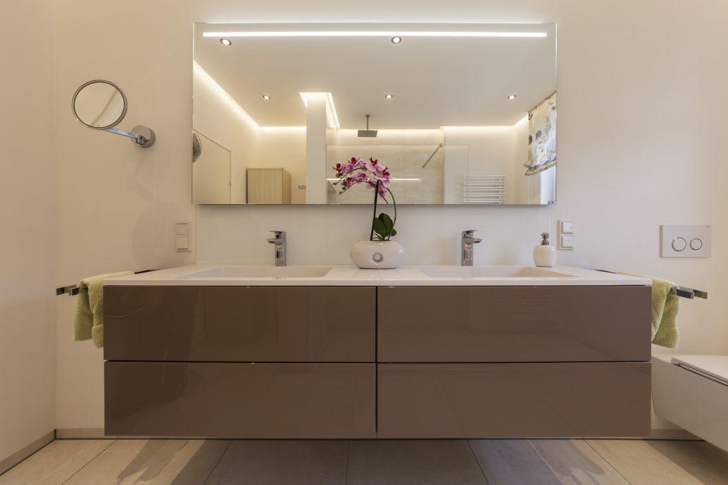 nowak gmbh bad referenz helles duschbad bergisch gladbach. Black Bedroom Furniture Sets. Home Design Ideas