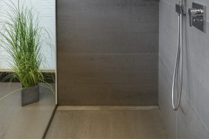 NOWAK-Bäder-Sanitär-bodengleiche-Dusche-Armatur
