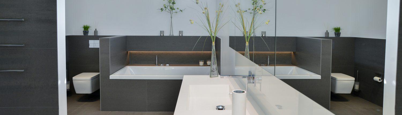 NOWAK-Badezimmer-Luxus-Waschbecken-WC-Badewanne