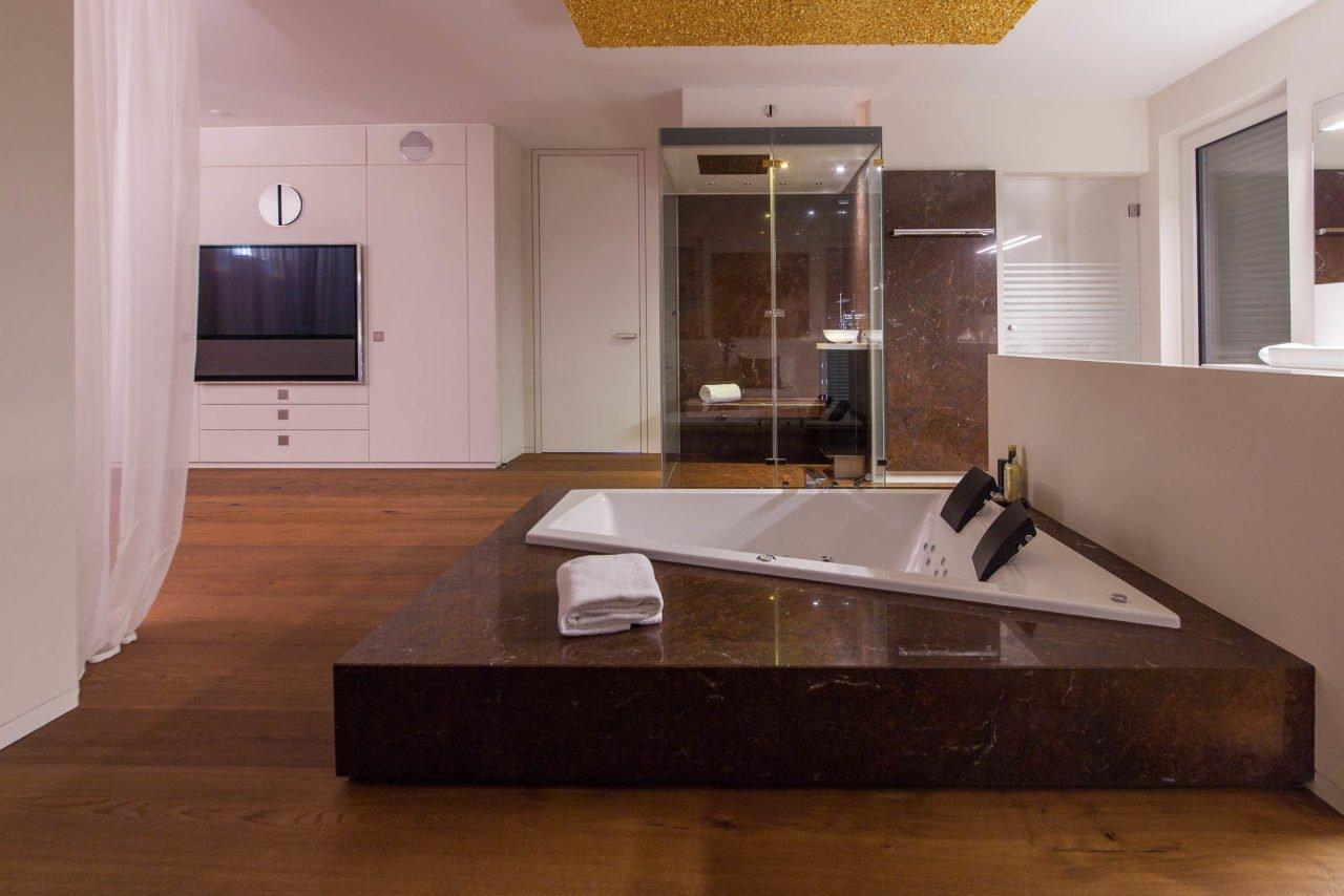 NOWAK GmbH | Bad-Referenz: Sleep & Whirl im Loft | Bergisch Gladbach | {Bodengleiche dusche design 87}