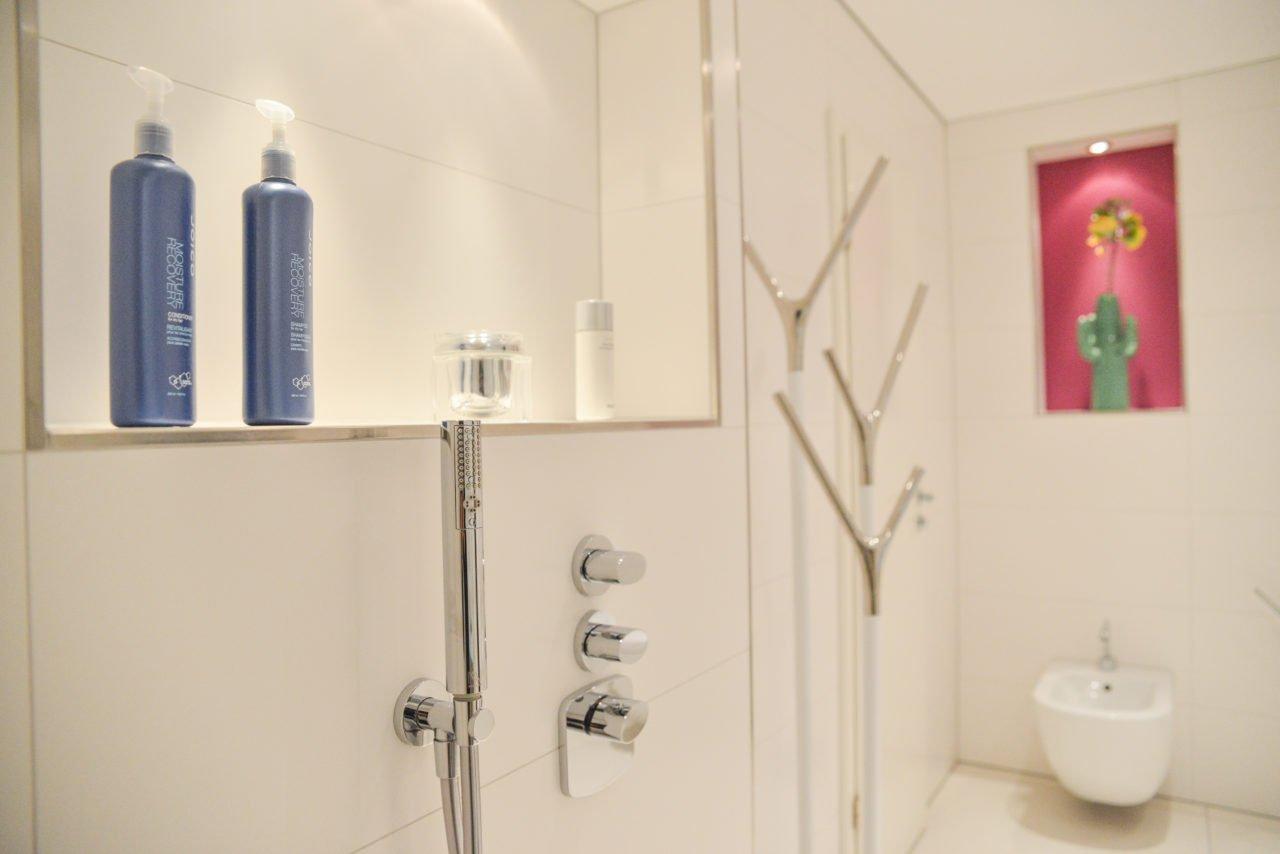 Badezimmer Pink Dusche Armatur