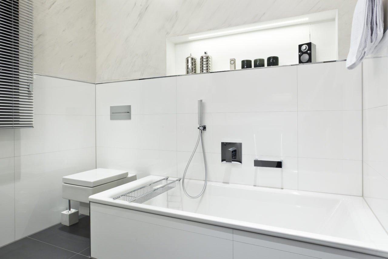 NOWAK GmbH | Bad-Referenz: Traum in weiß | Bergisch Gladbach