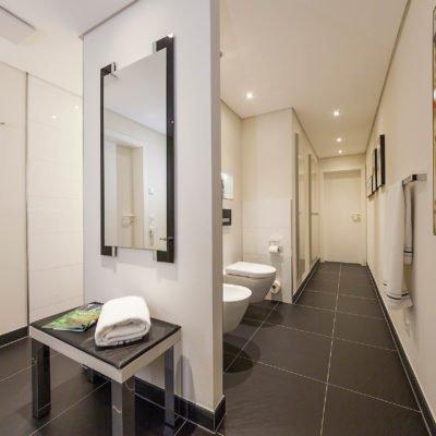 Das_3_Türen_Bad_Referenz_Bad_WC_Toilette