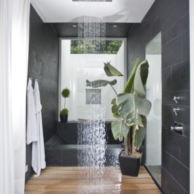 Design-im-Quadrat-Referenzbad-Rainshower-Dusche